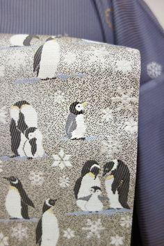 a7e38098fedd2 銀座 L-3073 洒落袋帯 白鼠色 ペンギンに雪花の図 - 銀座きもの青木|長く大切に着続けて頂きたい上質な着物や帯