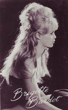 Fan Art of Brigitte Bardot for fans of Brigitte Bardot 18422585 Brigitte Bardot Young, Bridget Bardot, Susan Sarandon, Jane Birkin, Marlon Brando, Paris Love, Thing 1, American Dad, Always Smile