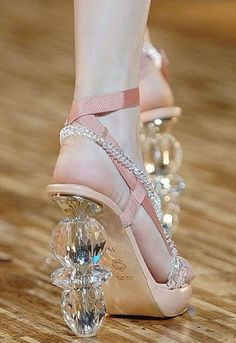 Wedding Shoes [ haha heels look like a glass d*ld0!]