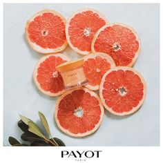 Витаминный заряд на весь день: грейпфрутовый фреш для тебя и лёгкий гель My Payot Jour Gelee для твоей кожи. Внутри яркой баночки — мощная формула «активатор сияния», которая наполняет кожу энергией и одновременно совершенствует её микрорельеф. Видимый результат сразу после нанесения: сияющая кожа без намёка на жирность.