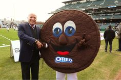 Mr. Oreo at the Kraft Fight Hunger Bowl with John McCain