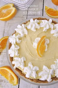 This creamsicle ice cream pie tastes just like summer. Smooth and creamy and only 3 ingredients. Ice Cream Pies, Ice Cream Desserts, Frozen Desserts, Frozen Treats, Just Desserts, Delicious Desserts, Yummy Food, Yummy Treats, Sweet Treats