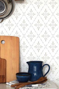 Duro. Tapet Ljungbacka - Gul - Hem & inredning - Ellos.se Beddinge, Farmhouse Wallpaper, Kids Bath, Interior And Exterior, Family Room, Inspiration, Home Decor, Daddy, Room Ideas