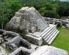 The Mayan ruins in Belize truly impressive to behold, and among the best Mayan sites in Belize is El Caracol.