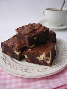 Triple choc brownies / Brownies triplos by Patricia Scarpin, via Flickr