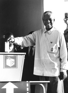 Mandela Votes for the First Time - On the of April 1994 all South Africans were allowed to vote for their national leaders. Nelson Mandela became the country's president after that historic event. Nelson Mandela, The One, The Past, First Black President, Black Presidents, History Channel, Interesting History, African American History, Martin Luther King