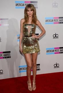 Taylor Swift attends the 2013 American Music Awards #TaylorSwift #AMAs #AmericanMusicAwards
