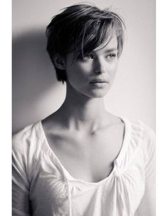 long pixie haircuts Long Pixie Pixie Haircut Came Into Vogue - Hair Beauty - maallure Cute Hairstyles For Short Hair, Girl Short Hair, Pretty Hairstyles, Girl Hairstyles, Short Hair Styles, Short Haircuts With Bangs, Curly Hairstyle, Trendy Hair, Short Hair Cuts For Women With Bangs