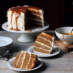 déjà food: pumpkin layer cake + cream cheese frosting + caramel sauce for halloween