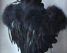 SWAN LAKE-Bolero, Shrug, 30 % Rabatt Goth Braut Federn Flügel schwarz fühlte, Merino und Seide, Rosen-Corsage / Brosche, Marabou Ärmel