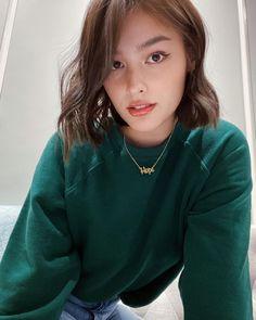 Filipina Actress, Filipina Beauty, Light Brown Bob, Lisa Soberano, Kawaii Girl, Celebs, Celebrities, Girl Face, Bellisima