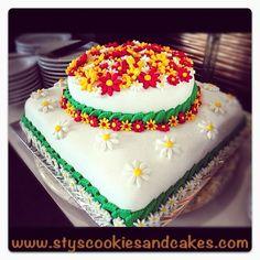 Cake cake cake cakr cake cake...!!  wedding cake! :)