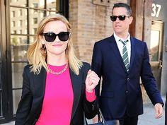 Reese Witherspoon & Jim Toth Have Great Chemistry While Shopping in N.Y.C. - super cute power couple!!