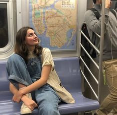 """""""if I get killed by diana silvers do not prosecute her she caught ME slipping"""" Aesthetic Girl, Aesthetic Clothes, Aesthetic Beauty, Aesthetic Vintage, Look Fashion, Fashion Outfits, Woman Fashion, Looks Style, My Style"""