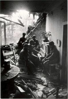 Robert Capa - photographing World War II