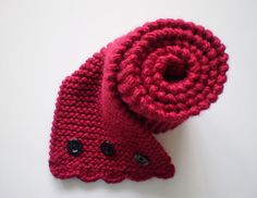 cute scarf with buttons