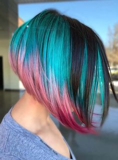 Looking for best colored haircuts for short hair to wear in 2018? See our best collection of short haircuts with different hair color trends to sport in 2018. These short haircuts are best way to polish your hair look with beautiful colors.