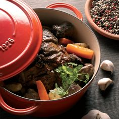 fontignac-cast-iron-5-qt-round-dutch-oven-red-1.jpg (1000×1000)