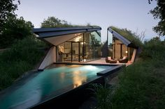 The Edgeland House by Bercy Chen Architecture Studio