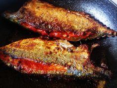 Mackerel Fish, Spanish Mackerel, Indian Cookbook, Goan Recipes, Spicy Dishes, Fresh Coriander, Fried Fish, Indian Dishes, Food Print