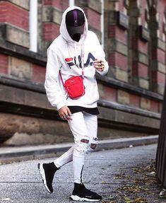 The best Balenciaga shoes online Urban Fashion Trends, Fashion News, Male Fashion, Fashion Shoes, Sneakers Fashion, Shoes Sneakers, Streetwear Brands, Streetwear Fashion, Tomboy Outfits