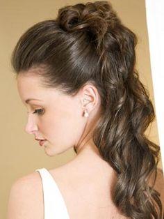 medium length half up half down bridal hair   Bridal Hairstyles for your Wedding Day