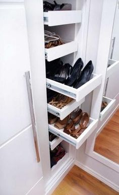 The Best Shoes Rack Design Ideas That Are Trending Today 23 - Welcome My Decor Master Closet, Closet Bedroom, Walk In Closet, Shoe Closet, Best Shoe Rack, Diy Shoe Rack, Shoe Storage, Shoe Shelves, Shoe Racks