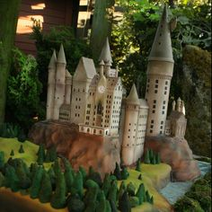 We love Harry Potter. We love cake. Obviously, we love Harry Potter themed cakes. From Dailypix Bolo Harry Potter, Gateau Harry Potter, Harry Potter Wedding, Harry Potter Theme, Bolos Cake Boss, Pasteles Cake Boss, Cake Boss Cakes, Beautiful Wedding Cakes, Beautiful Cakes