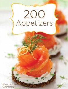 27 Mouth-Watering Winter Wedding Appetizers: crackers with cream cheese, dill, parsley and smoked salmon for a fresh and tasty snack Canapes Recipes, Salmon Recipes, Appetizer Recipes, Canapes Ideas, Gourmet Appetizers, Simple Appetizers, Seafood Appetizers, Cheese Appetizers, Smoked Salmon Canapes