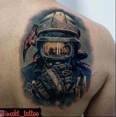 Tattoos And Body Art famous tattoo artists Schulterpanzer Tattoo, Ems Tattoos, Helmet Tattoo, Funny Tattoos, Future Tattoos, Body Art Tattoos, Cool Tattoos, Amazing Tattoos, Samoan Tattoo