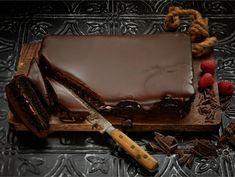 Paholaisen kakku | Valio Something Sweet, Griddle Pan, Tiramisu, Baking Recipes, Sweet Treats, Food And Drink, Vegetarian, Sweets, Snacks