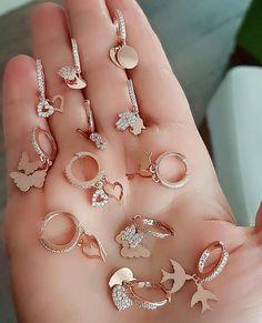 Black Gold Jewelry For Beautiful Pieces - Jewelry Daze Kids Gold Jewellery, Black Gold Jewelry, Hand Jewelry, Men's Jewellery, Designer Jewellery, Diamond Jewellery, Antique Jewellery Designs, Antique Jewelry, Stylish Jewelry