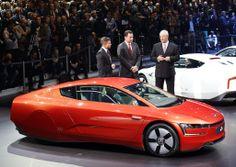 Car of the future! Volkswagen XL1 Geneva 2013. Where are the back wheels?!