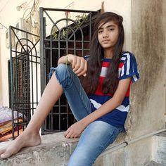 Beautiful Girl In India, Beautiful Girl Photo, Cute Girl Poses, Cute Girls, Sweet Girls, Village Girl Images, College Girl Image, Chloe Grace Moretz Feet, Indian Girl Bikini