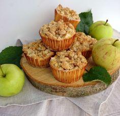 Baking of...: Karamelliset omena-juustokakkuset