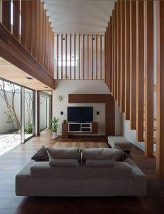 Casas modernas por Architect Show co. Modern Interior Design, Interior And Exterior, Architecture Résidentielle, Installation Architecture, Architect House, Design Moderne, Japanese House, Minimalist Home, Living Spaces