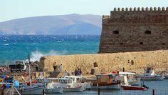 heraklion venetian fort in Crete, Greece. Santorini, Mount Rushmore, Traveling By Yourself, Cruise, Island, Mountains, Voici, Crete Greece, Venetian