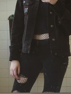 Outfits/Dresses/Prom Mode der Jahre Punk Grunge 37 Ideen Garden Statues and Fountains in Monast Grunge Look, Mode Grunge, Style Grunge, 90s Grunge, Goth Style, Hipster Outfits, Grunge Outfits, Edgy Outfits, Black Outfit Grunge