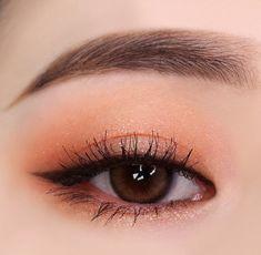 Save = Follow # Tịnh Kỳ. * Don't save free ok ! Korean Makeup Look, Asian Eye Makeup, Makeup Eye Looks, Cute Makeup, Pretty Makeup, Makeup Inspo, Makeup Trends, Makeup Art, Makeup Inspiration