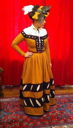 My very first 16th century kampfrau dress. There's a bird on my hat.