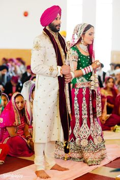 A perfect Punjabi pair wed in a traditional ceremony in Canada!
