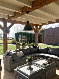 Tips, methods, including overview with respect to obtaining the most effective outcome as well as creating the maximum utilization of patio furniture makeover Patio Diy, Patio Pergola, Backyard Patio Designs, Pergola With Roof, Small Pergola, Modern Pergola, Patio Ideas, Covered Patio Design, Covered Back Patio