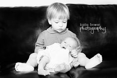 9 Newborn and big sibling photography ideas (PHOTOS)