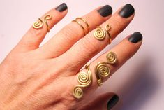 5 Gold Knuckle Rings / Gold Knuckle Rings / Gold Ring Set / Gold Stacking Rings / Above the Knuckle Ring / Midi Rings / Gold Ring Set of 5 by BeyhanAkman on Etsy White Gold Wedding Rings, Gold Rings, Wire Wrapped Jewelry, Wire Jewelry, Jewellery, Knuckle Rings, Floral Engagement Ring, Ring Set, Womens Jewelry Rings