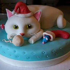 Black Cat Cake Decoration : Cat Cake Holiday on Pinterest Cat Cakes, Halloween Cakes ...