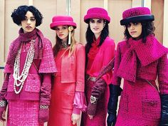 Shades of Pink: raspberry, fuchsia or magenta, pink comes in many tones in the Chanel Fall Winter 2017 collection