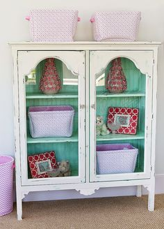 C'mon get happy with the minty green painted hutch. House of Turquoise: Four Chairs Furniture