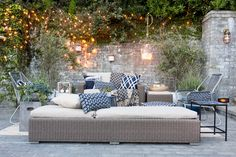 Take It Outside - Target Patio Makeover - Emily Henderson Outdoor Rooms, Outdoor Dining, Outdoor Sofa, Outdoor Gardens, Outdoor Furniture Sets, Outdoor Decor, Space Furniture, Garden Makeover, Patio Makeover