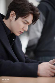 Jung So Min, Boys Over Flowers, New Actors, Actors & Actresses, Asian Actors, Korean Actors, Lee Jong Suk, Lee Min Ho Wallpaper Iphone, Park Seo Joon