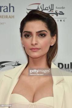Sonam Kapoor Photos - Sonam Kapoor attends the Opening Night Gala of the annual Dubai International Film Festival held at the Madinat Jumeriah Complex on December 2017 in Dubai, United Arab Emirates. Bollywood Actress Hot Photos, Indian Bollywood Actress, Bollywood Girls, Beautiful Bollywood Actress, Most Beautiful Indian Actress, Bollywood Fashion, Beautiful Actresses, Bollywood Saree, Indian Celebrities